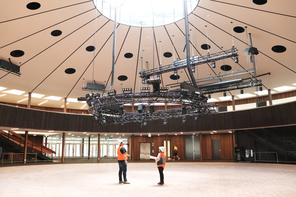 Roundhouse-final-touches.